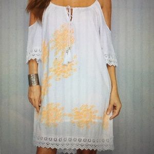 White Cotton With Drooping Sleeves Dress Size M.